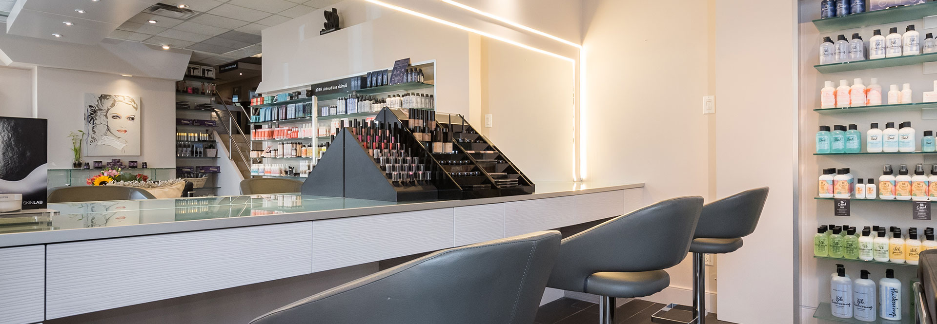 Fayez Spa Make-up Station